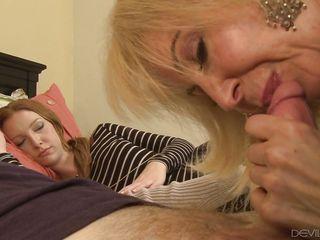 секс с женой и тещей видео
