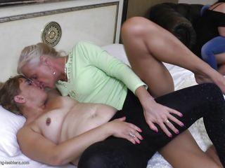 порно старых азиаток