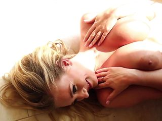 Смотреть порно с красивыми блондинками